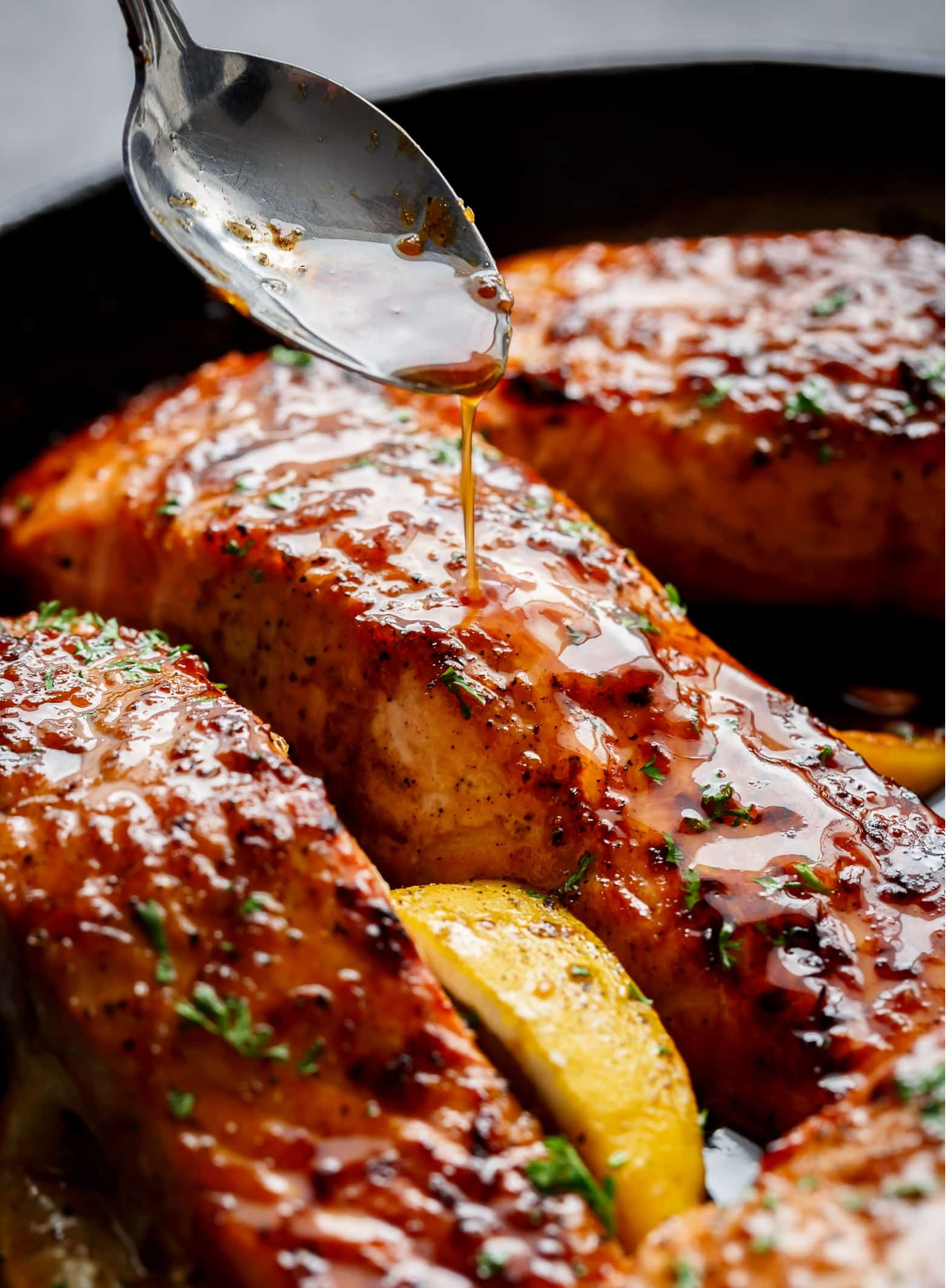 honey and garlic salmon - healthy main dish for your family